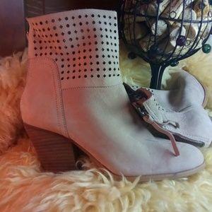 Nine West booties suede  nude (beige)